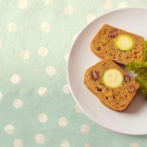 Cake aux courgettes et aux olives