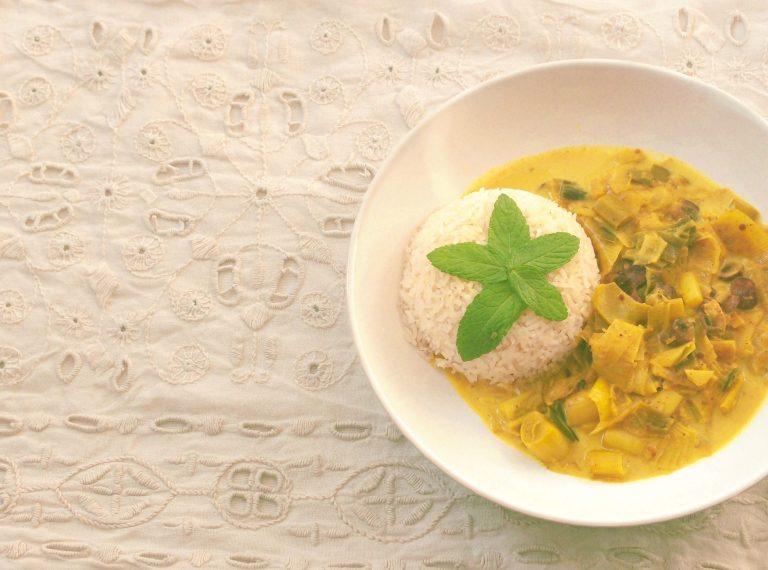 Read more about the article Riz au lait de coco, poireaux champignons et épices